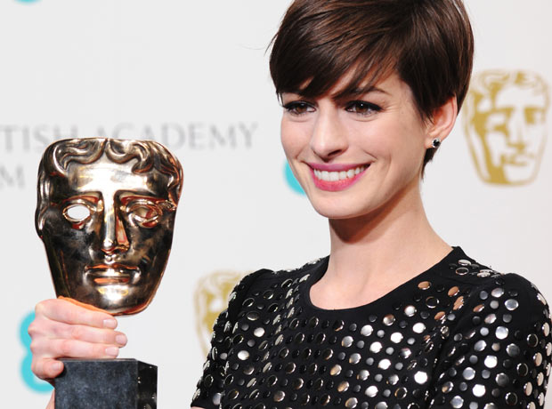 Anne Hathaway, winner of the best supporting actress Bafta