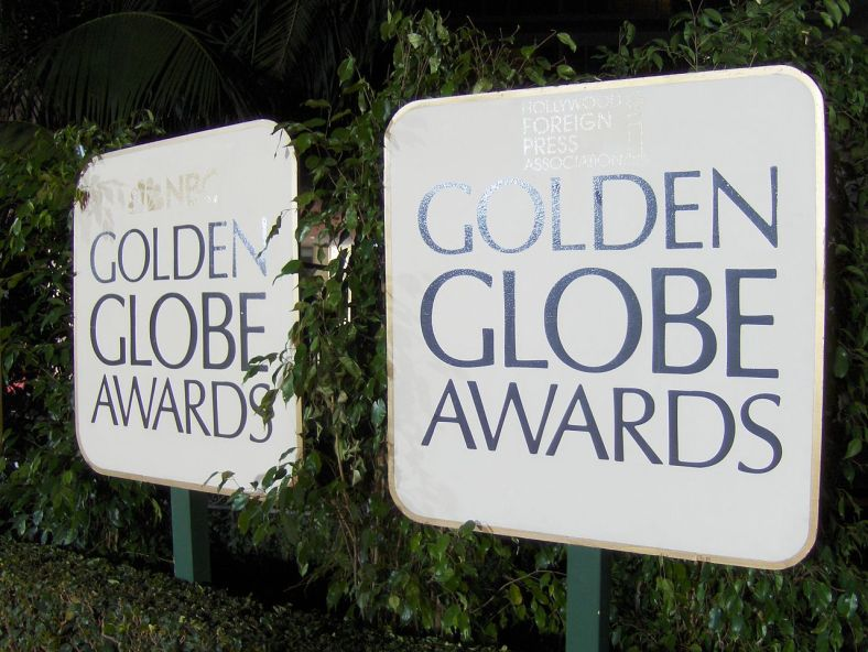 1280px-Golden_Globe_Awards_signs