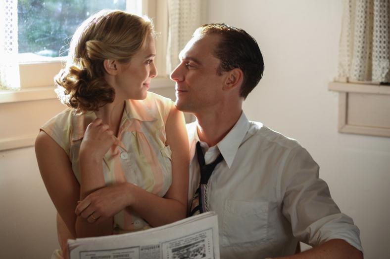 Tom Hiddleston- I Saw The Lightistl_00559