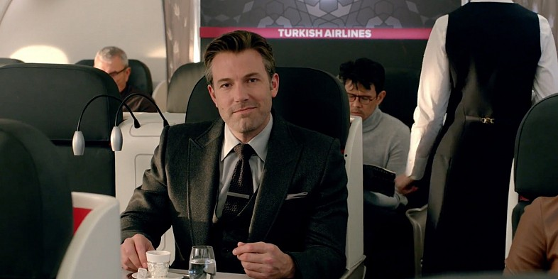 Batman-V-Superman-Bruce-Wayne-Gotham-City-Turkish-Airlines