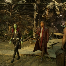 Guardians Of The Galaxy Vol. 2..L to R: Gamora (Zoe Saldana), Star-Lord/Peter Quill (Chris Pratt) and Drax (Dave Bautista)..Ph: Film Frame..©Marvel Studios 2017